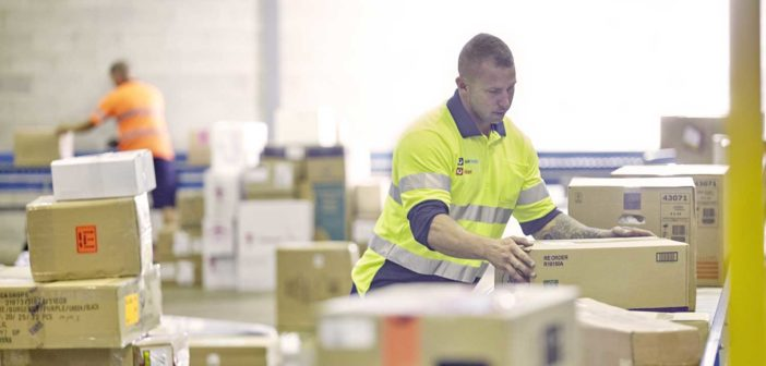 Australia Post delivers record Christmas volumes as online shopping booms