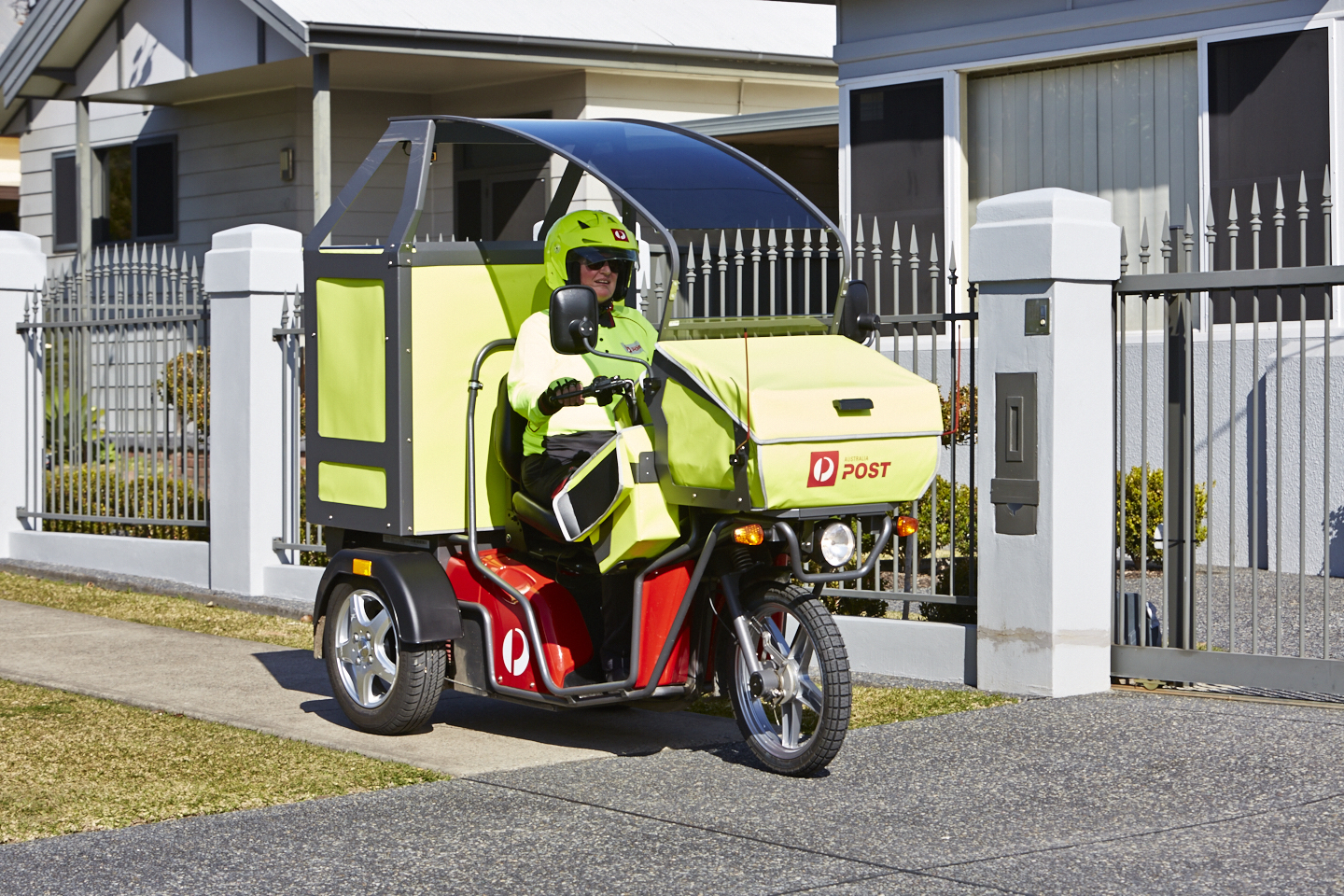 4c6835139e Australia Post to operate nation s largest electric vehicle fleet ...